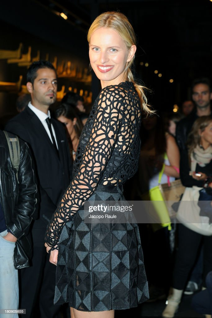 <a gi-track='captionPersonalityLinkClicked' href=/galleries/search?phrase=Karolina+Kurkova&family=editorial&specificpeople=202513 ng-click='$event.stopPropagation()'>Karolina Kurkova</a> is seen at Pirelli PZero Store during The Milan Vogue Fashion Night Out on September 17, 2013 in Milan, Italy.