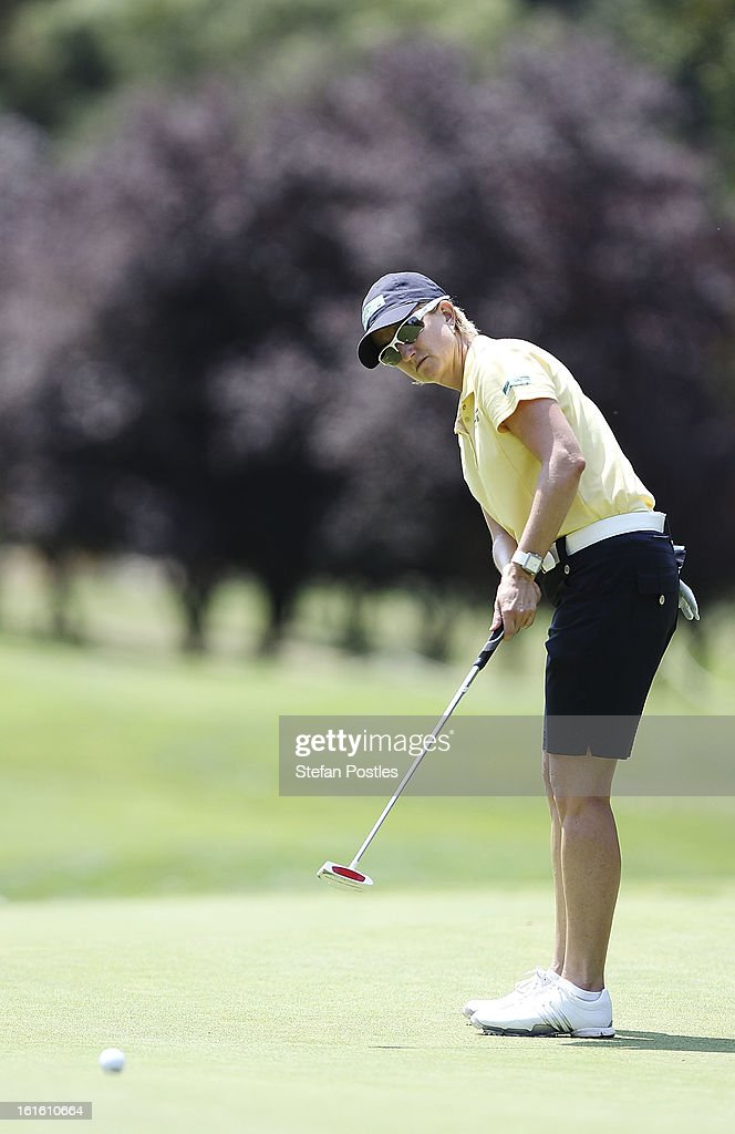 <a gi-track='captionPersonalityLinkClicked' href=/galleries/search?phrase=Karrie+Webb&family=editorial&specificpeople=202163 ng-click='$event.stopPropagation()'>Karrie Webb</a> of Australia putts during practice ahead of the ISPS Handa Australian Open at Royal Canberra Golf Club on February 13, 2013 in Canberra, Australia.