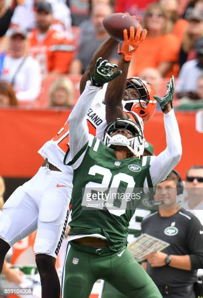 Kasen Williams of the Cleveland Browns catch over Dakota Dozier of the New York Jets ruled incomplete in the second half at FirstEnergy Stadium on...
