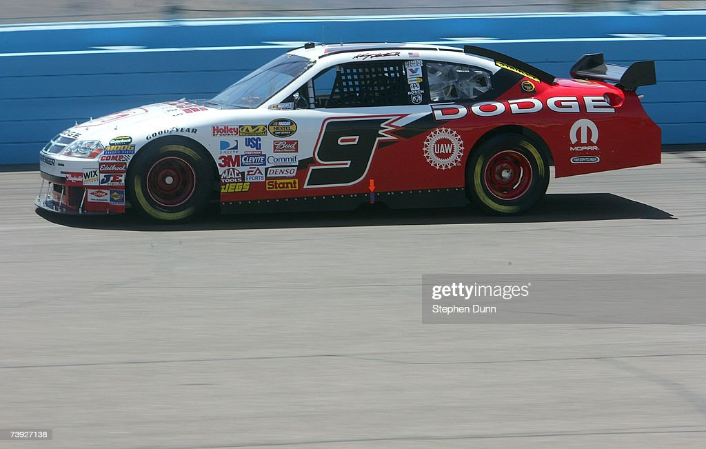 Kasey Kahne driver of the Dodge Dealers/UAW Dodge drives during practice for the NASCAR Nextel Cup Series Subway Fresh Fit 500 at Phoenix...