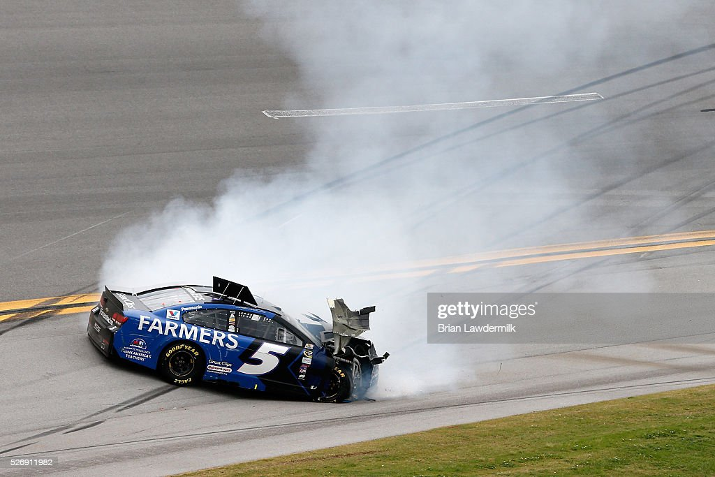 <a gi-track='captionPersonalityLinkClicked' href=/galleries/search?phrase=Kasey+Kahne&family=editorial&specificpeople=183374 ng-click='$event.stopPropagation()'>Kasey Kahne</a>, driver of the #5 Farmers Insurance Chevrolet, has an on track incident during the NASCAR Sprint Cup Series GEICO 500 at Talladega Superspeedway on May 1, 2016 in Talladega, Alabama.