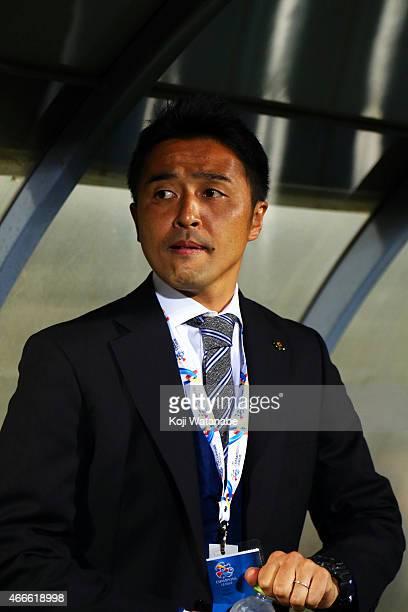 Kashiwa Reysol coarth Tatuma Yoshida the AFC Champions League Group E match between Kashiwa Reysol v Shandong Luneng FC at Hitachi Kashiwa Soccer...