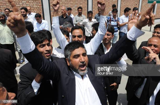 Kashmiri lawyers shout profreedom slogans during a sitin protest in Srinagar on July 14 2010 The lawyers were protesting against alleged human rights...