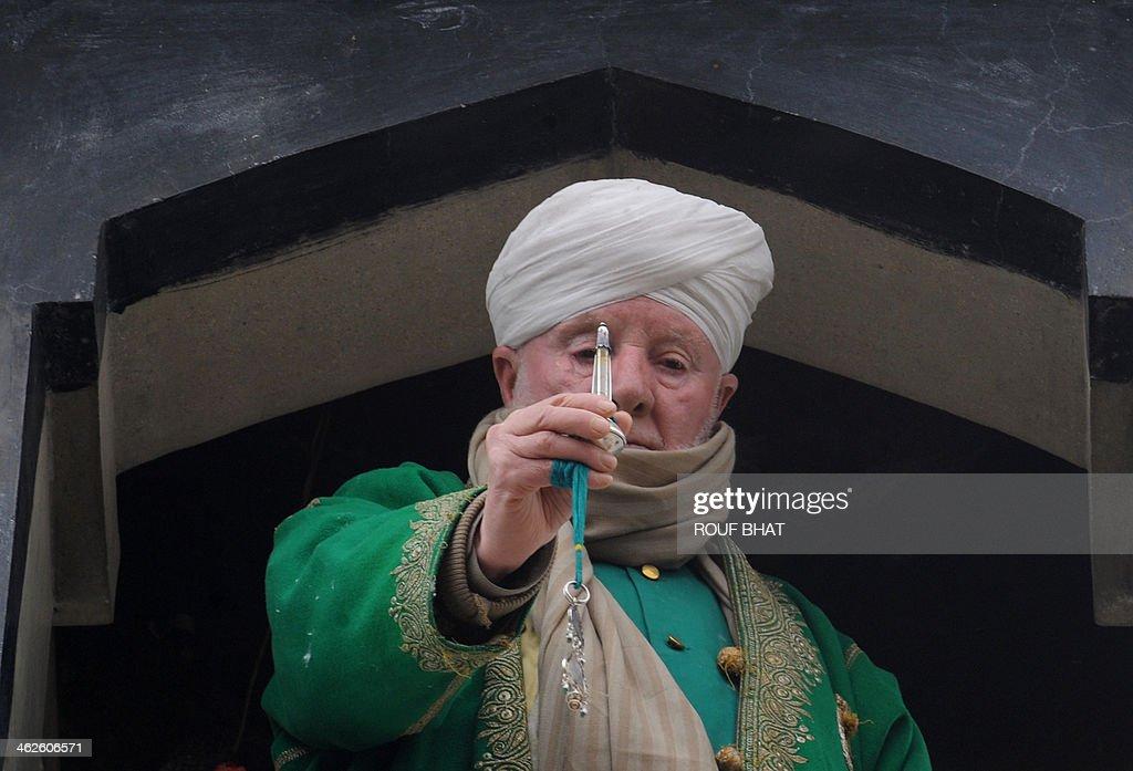 peer muslim Muslim voice 2,742,776 views  zina aik qarz aur 3 naqd sazain peer zulfiqar ahmad naqshbandi bayan 2018 - duration: 17:16 spread the.