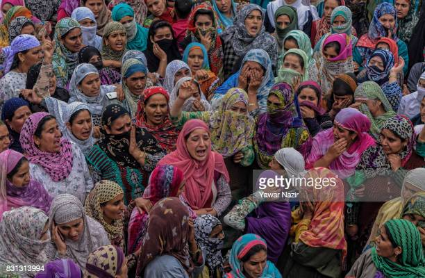 Kashmiri Muslim women chant antiIndian and proKashmir freedom slogans at the funeral of Yaseen Yatoo alias Mehmood Ghaznavi a local rebel commander...