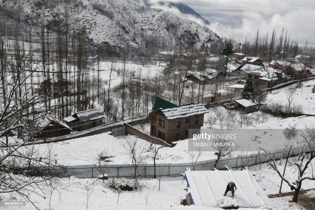 Heavy Snowfalls Hit The Kashmir