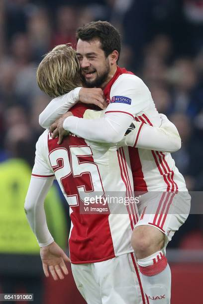 Kasper Dolberg of Ajax Amin Younes of Ajaxduring the UEFA Europa League round of 32 match between Ajax Amsterdam and FC Copenhagen at the Amsterdam...