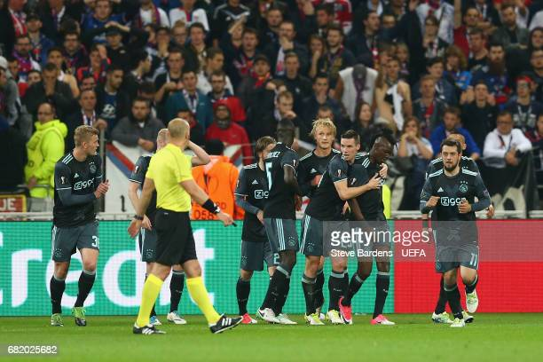 Kasper Dolberg of Ajax Amsterdam celebrates scoring the opening goal with his team mates during the Uefa Europa League semi final second leg match...