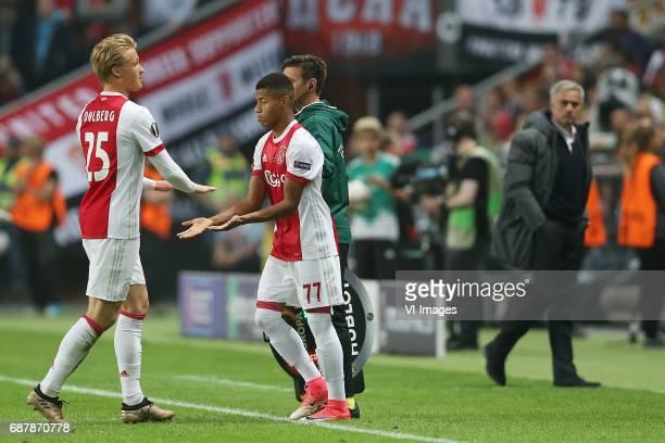 Kasper Dolberg of Ajax David Neres of Ajax coach Jose Mourinho of Manchester Unitedduring the UEFA Europa League final match between Ajax Amsterdam...