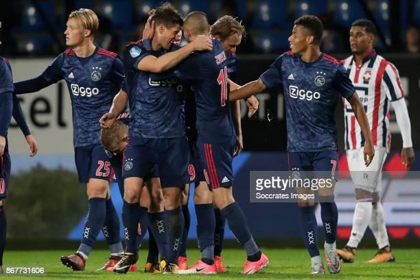 Kasper Dolberg of Ajax Klaas Jan Huntelaar of Ajax Hakim Ziyech of Ajax Siem de Jong of Ajax David Neres of Ajax during the Dutch Eredivisie match...