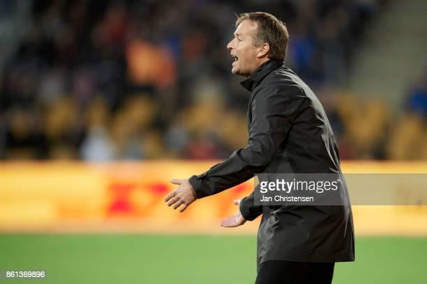 Kasper Hjulmand head coach of FC Nordsjalland gives instructions during the Danish Alka Superliga match between FC Nordsjalland and Randers FC at...