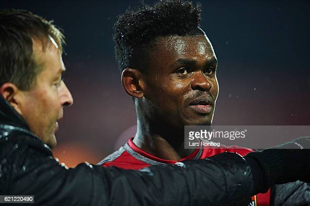 Kasper Hjulmand head coach of FC Nordsjalland speaks to Godsway Donyoh of FC Nordsjalland during the Danish Alka Superliga match between Randers FC...