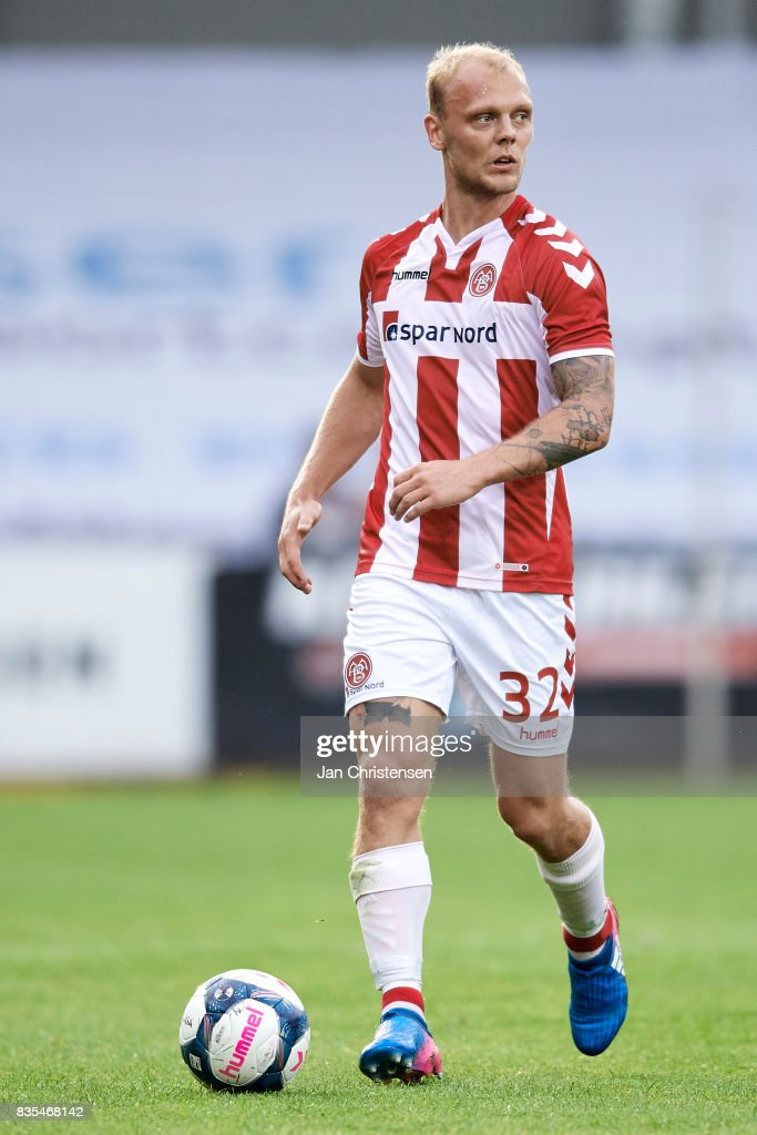 Kasper Pedersen of AaB Aalborg controls the ball during the Danish Alka Superliga match between AC Horsens and AaB Aalborg at Casa Arena Horsens on August 18, 2017 in Horsens, Denmark.
