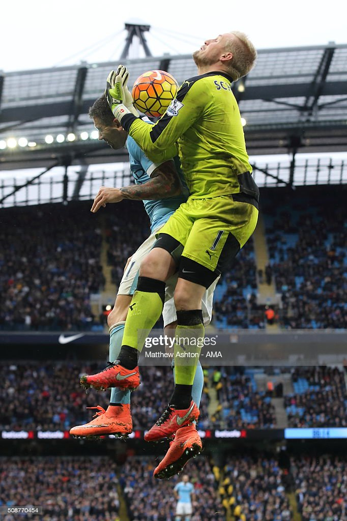 <a gi-track='captionPersonalityLinkClicked' href=/galleries/search?phrase=Kasper+Schmeichel&family=editorial&specificpeople=2309352 ng-click='$event.stopPropagation()'>Kasper Schmeichel</a> of Leicester City during the Barclays Premier League match between Manchester City and Leicester City at the Etihad Stadium on February 06, 2016 in Manchester, England.