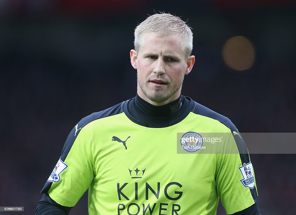 <a gi-track='captionPersonalityLinkClicked' href=/galleries/search?phrase=Kasper+Schmeichel&family=editorial&specificpeople=2309352 ng-click='$event.stopPropagation()'>Kasper Schmeichel</a> of Leicester City in action during the Barclays Premier League match between Manchester United and Leicester City at Old Trafford on May 1, 2016 in Manchester, England.