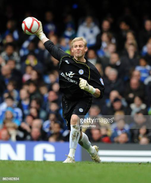 Kasper Schmeichel of Leicester City in action during the FA Cup 6th Round match between Chelsea and Leicester City at Stamford Bridge on March 18...