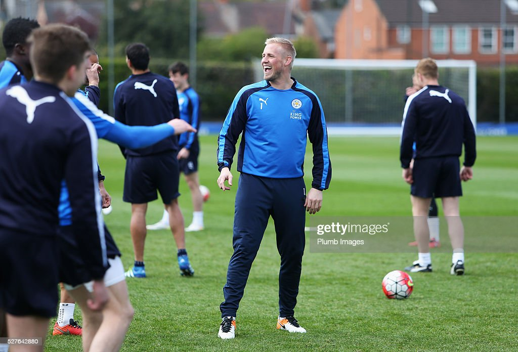 <a gi-track='captionPersonalityLinkClicked' href=/galleries/search?phrase=Kasper+Schmeichel&family=editorial&specificpeople=2309352 ng-click='$event.stopPropagation()'>Kasper Schmeichel</a> of Leicester City laughs during a Leicester City training session at Belvoir Drive Training Ground on May 3, 2016 in Leicester, England.