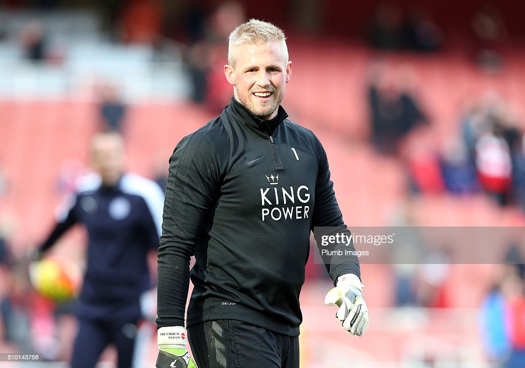 <a gi-track='captionPersonalityLinkClicked' href=/galleries/search?phrase=Kasper+Schmeichel&family=editorial&specificpeople=2309352 ng-click='$event.stopPropagation()'>Kasper Schmeichel</a> of Leicester city warms up at The Emirates Stadium ahead of the Premier League match between Arsenal and Leicester City at Emirates Stadium on February 14, 2016 in London, United Kingdom.