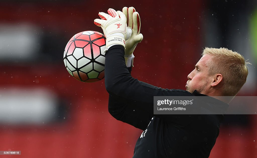 <a gi-track='captionPersonalityLinkClicked' href=/galleries/search?phrase=Kasper+Schmeichel&family=editorial&specificpeople=2309352 ng-click='$event.stopPropagation()'>Kasper Schmeichel</a> of Leicester City warms up during the Barclays Premier League match between Manchester United and Leicester City at Old Trafford on May 1, 2016 in Manchester, England.
