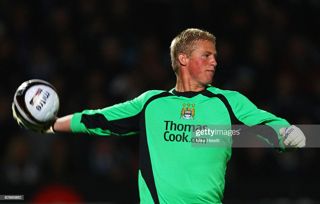 http://media.gettyimages.com/photos/kasper-schmeichel-of-manchester-city-in-action-during-the-carling-cup-picture-id82995862