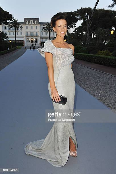Kate Beckinsale arrives at amfAR's Cinema Against AIDS 2010 benefit gala at the Hotel du Cap on May 20 2010 in Antibes France
