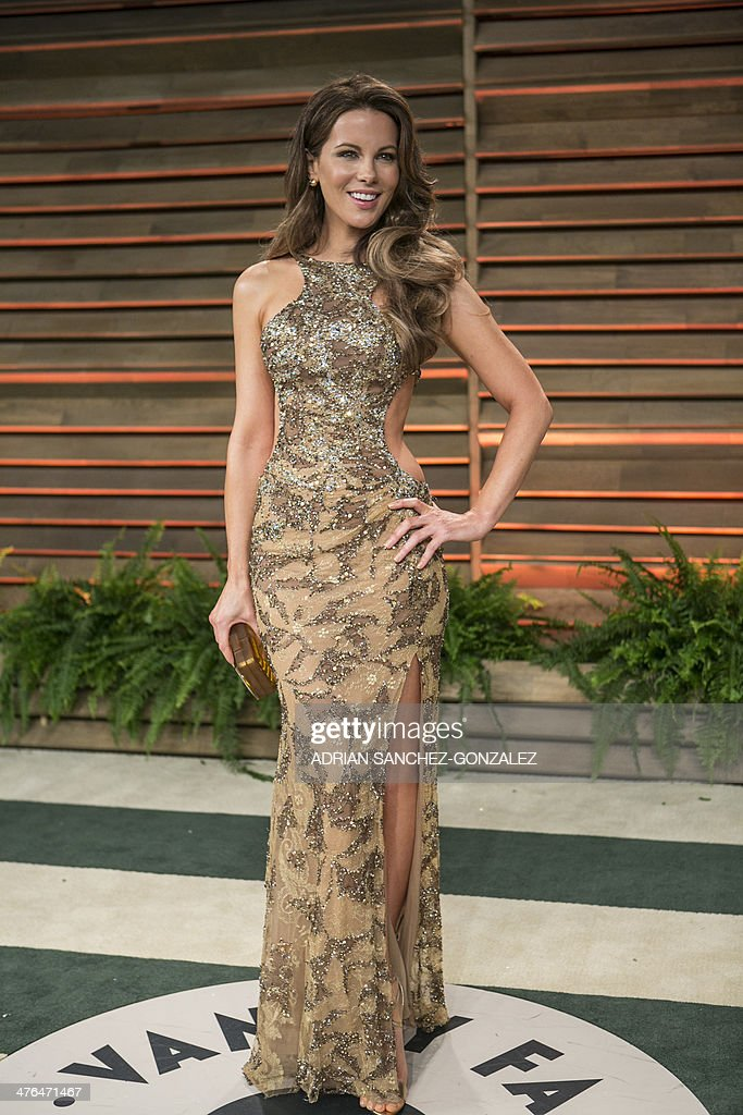 Kate Beckinsale arrives at the 2014 Vanity Fair Oscar Party on March 2, 2014 in West Hollywood, California. AFP PHOTO/ADRIAN SANCHEZ-GONZALEZ