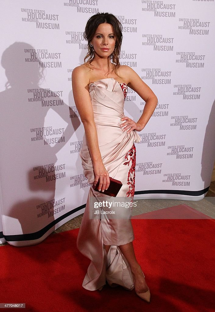 <a gi-track='captionPersonalityLinkClicked' href=/galleries/search?phrase=Kate+Beckinsale&family=editorial&specificpeople=202911 ng-click='$event.stopPropagation()'>Kate Beckinsale</a> attends the 2014 Los Angeles Dinner 'What You Do Matters' held at The Beverly Hilton Hotel on March 6, 2014 in Beverly Hills, California.