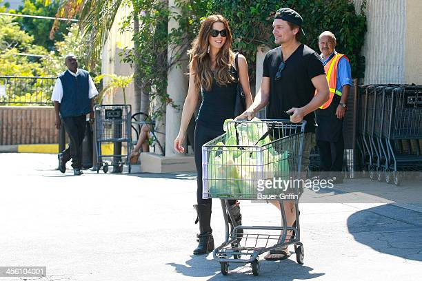 Kate Beckinsale goes to the market with her husband Len Weisman in Pacific Palisades on September 15 2013 in Los Angeles California