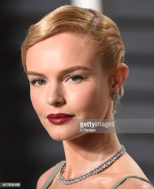 Kate Bosworth attends the 2017 Vanity Fair Oscar Party hosted by Graydon Carter at the Wallis Annenberg Center for the Performing Arts on February 26...