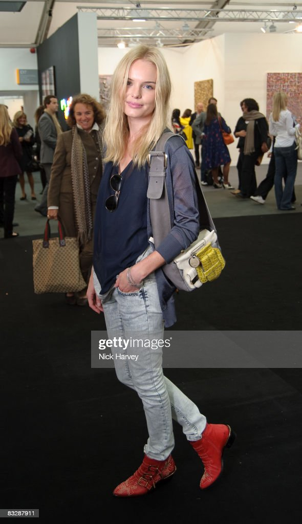 Kate Bosworth attends the Frieze Art Fair at Regent's Park on October 15, 2008 in London, England.
