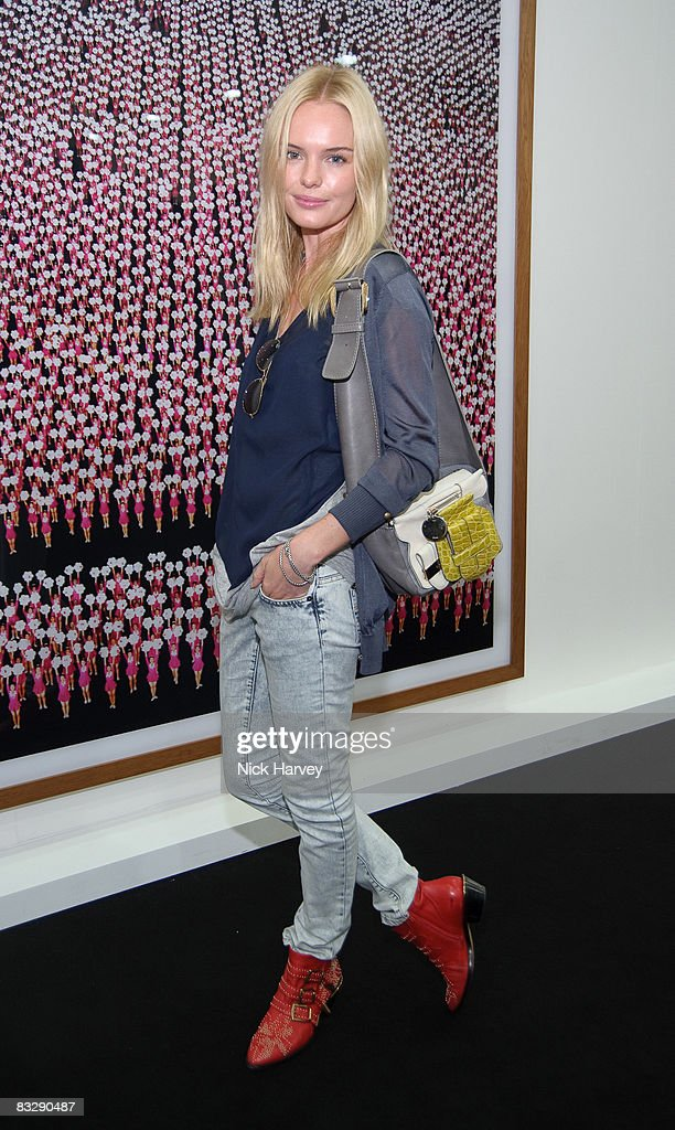 <a gi-track='captionPersonalityLinkClicked' href=/galleries/search?phrase=Kate+Bosworth&family=editorial&specificpeople=201616 ng-click='$event.stopPropagation()'>Kate Bosworth</a> attends the Frieze Art Fair at Regent's Park on October 15, 2008 in London, England.