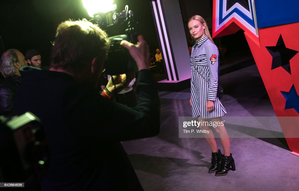 kate-bosworth-attends-the-henry-holland-catwalk-show-during-the-picture-id642684636