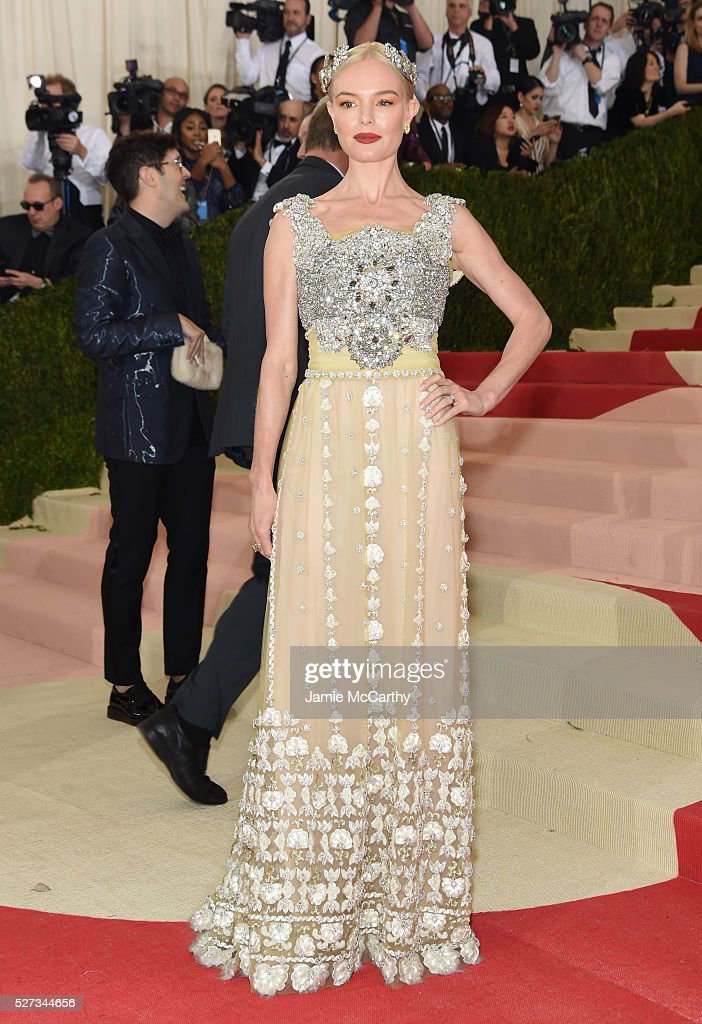 Kate Bosworth attends the 'Manus x Machina: Fashion In An Age Of Technology' Costume Institute Gala at Metropolitan Museum of Art on May 2, 2016 in New York City.