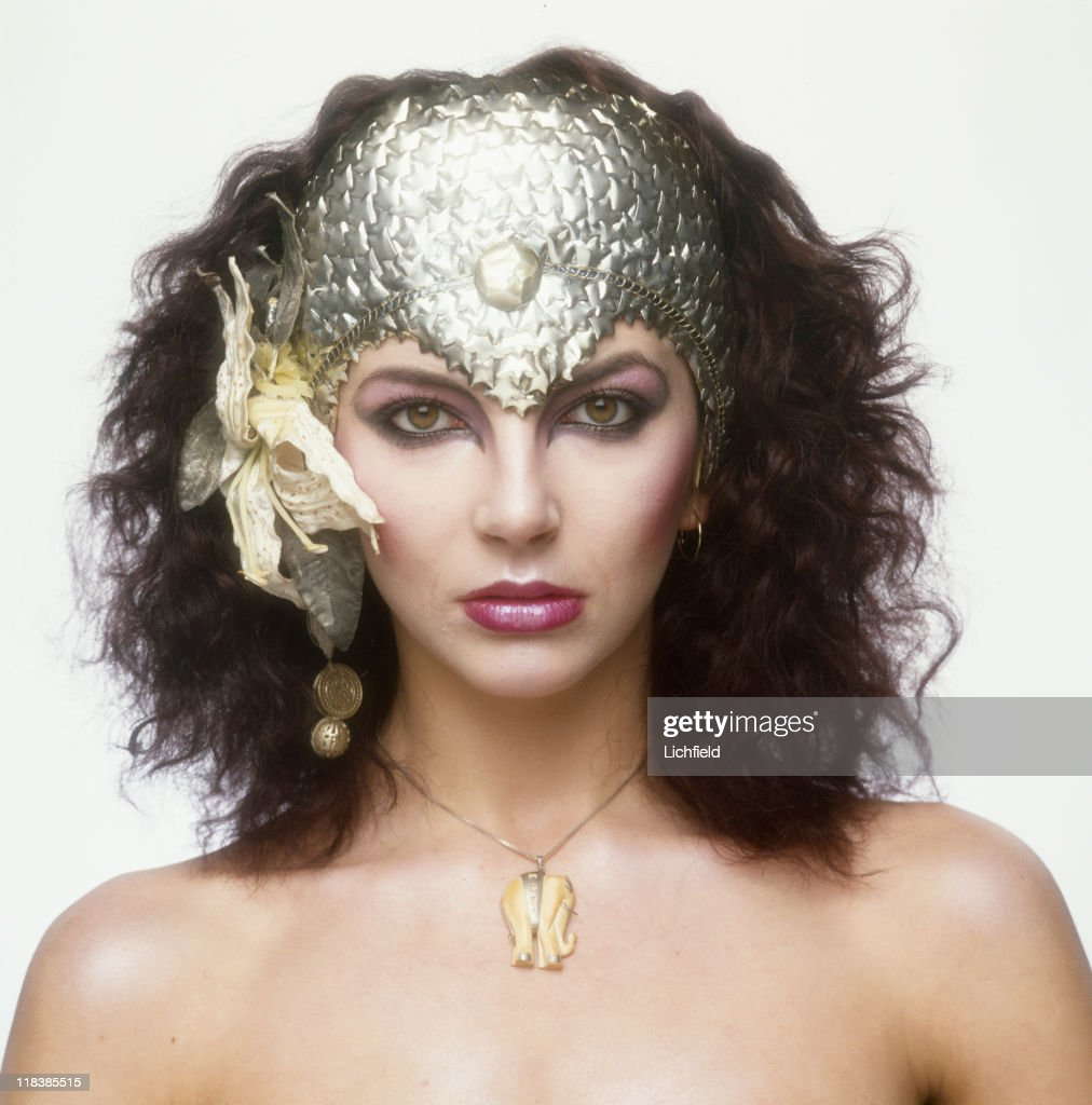 <a gi-track='captionPersonalityLinkClicked' href=/galleries/search?phrase=Kate+Bush&family=editorial&specificpeople=682264 ng-click='$event.stopPropagation()'>Kate Bush</a>, British singer, songwriter, musician and record producer (for the book 'Lichfield - The Most Beautiful Women'), 3rd December 1980.