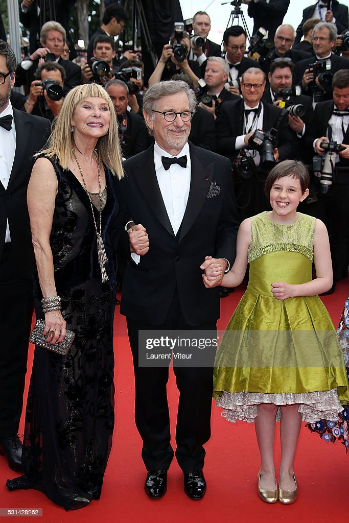 <a gi-track='captionPersonalityLinkClicked' href=/galleries/search?phrase=Kate+Capshaw&family=editorial&specificpeople=204585 ng-click='$event.stopPropagation()'>Kate Capshaw</a>, <a gi-track='captionPersonalityLinkClicked' href=/galleries/search?phrase=Steven+Spielberg&family=editorial&specificpeople=202022 ng-click='$event.stopPropagation()'>Steven Spielberg</a> and <a gi-track='captionPersonalityLinkClicked' href=/galleries/search?phrase=Ruby+Barnhill&family=editorial&specificpeople=15832267 ng-click='$event.stopPropagation()'>Ruby Barnhill</a> attend 'The BFG (Le Bon Gros Geant - Le BGG)' premiere during the 69th annual Cannes Film Festival at the Palais des Festivals on May 14, 2016 in Cannes, .