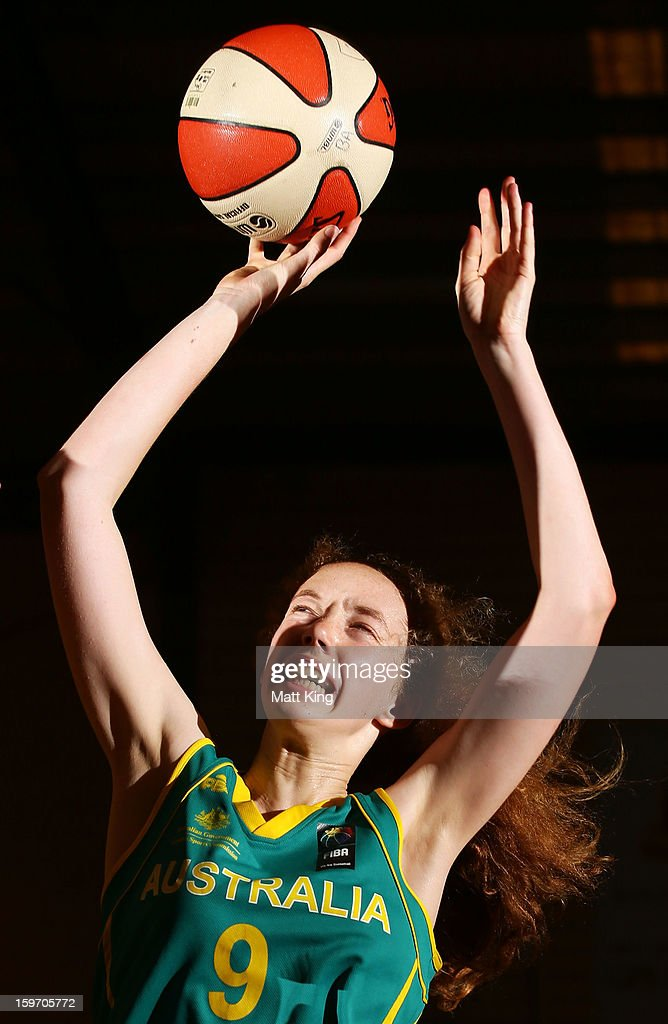 Kate Hewett of Australia Green competes in the Women's gold medal playoff against Australia Gold during day four of the Australian Youth Olympic Festival at Sydney Boys High School on January 19, 2013 in Sydney, Australia.