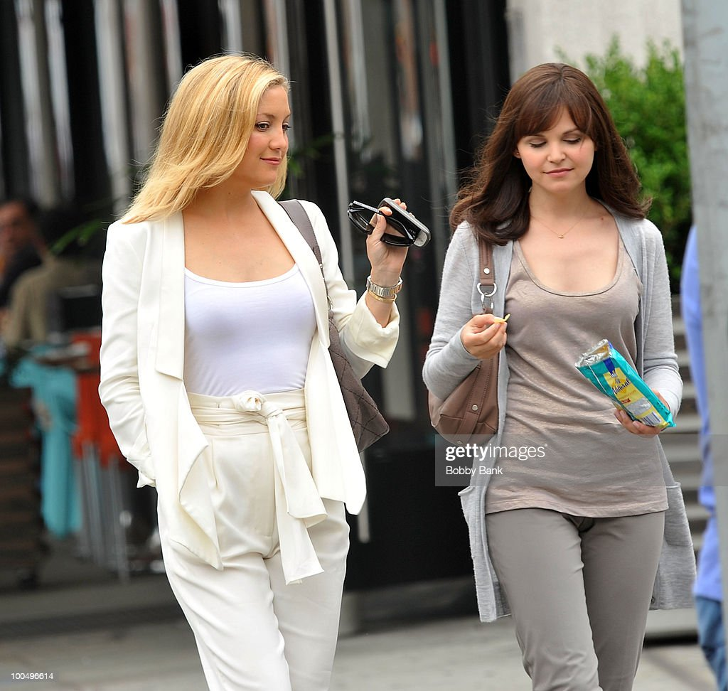 Kate Hudson and Ginnifer Goodwin on location for 'Something Borrowed' on the streets of Manhattan on May 24, 2010 in New York City.