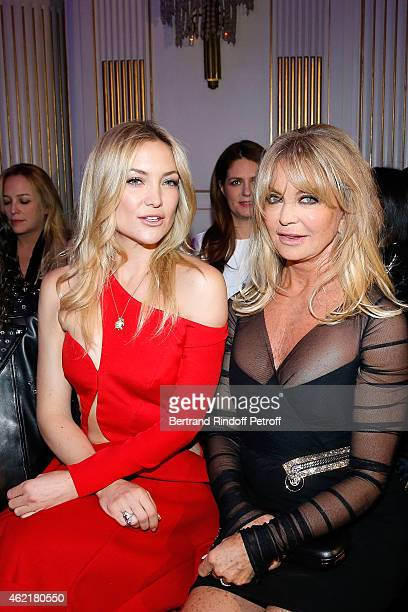 Kate Hudson and Goldie Hawn attend the Versace show as part of Paris Fashion Week Haute Couture Spring/Summer 2015 on January 25 2015 in Paris France
