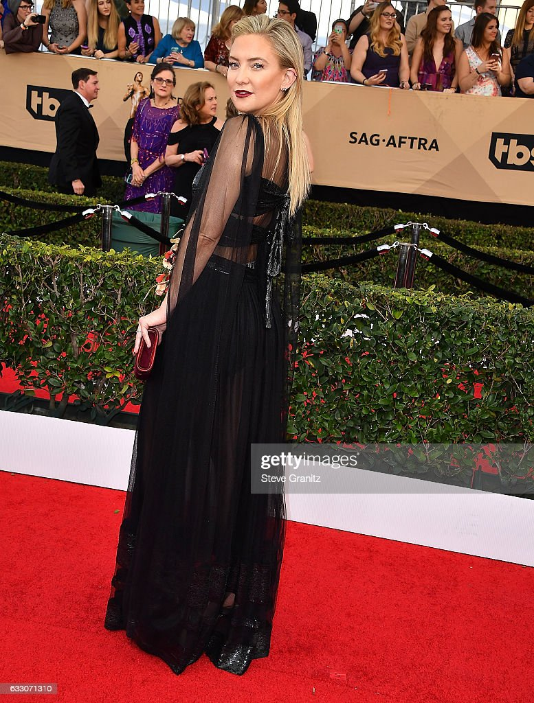 Kate Hudson arrives at the 23rd Annual Screen Actors Guild Awards at The Shrine Expo Hall on January 29, 2017 in Los Angeles, California.
