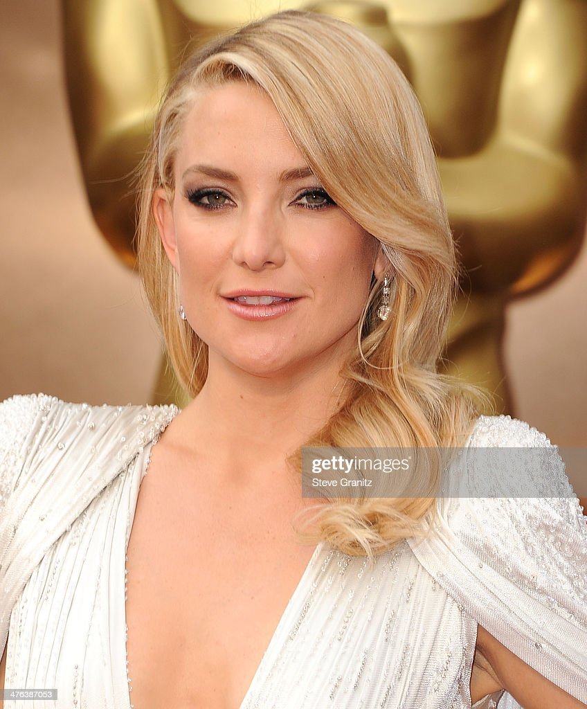 Kate Hudson arrives at the 86th Annual Academy Awards at Hollywood Highland Center on March 2 2014 in Hollywood California