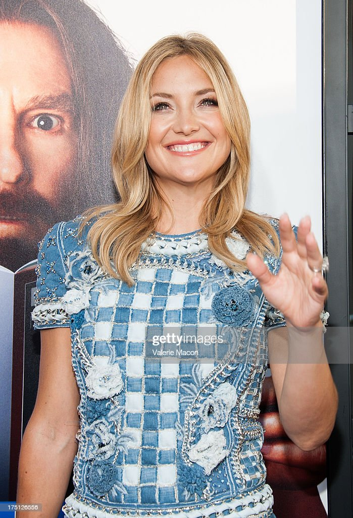 Kate Hudson arrives at the Premiere Of HBO Films' 'Clear History' at ArcLight Cinemas Cinerama Dome on July 31, 2013 in Hollywood, California.