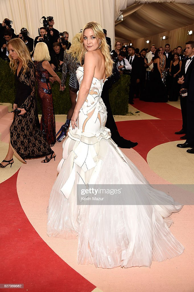 Kate Hudson attends 'Manus x Machina: Fashion In An Age Of Technology' Costume Institute Gala at Metropolitan Museum of Art on May 2, 2016 in New York City.