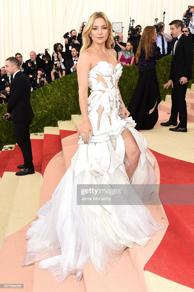 Kate Hudson attends the 'Manus x Machina: Fashion In An Age Of Technology' Costume Institute Gala at Metropolitan Museum of Art on May 2, 2016 in New York City.