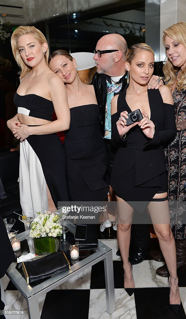 Kate Hudson, Jennifer Meyer, Nicole Richie and Eric Buterbaugh attend The Daily Front Row Fashion Los Angeles Awards Private Dinner Hosted By Eva Chow And Carine Roitfeld at Mr Chow on March 20, 2016 in Beverly Hills, California.