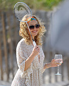 Kate Hudson on location for 'Something Borrowed' at Fort Tilden State Park on June 7 2010 in Rockaway Queens