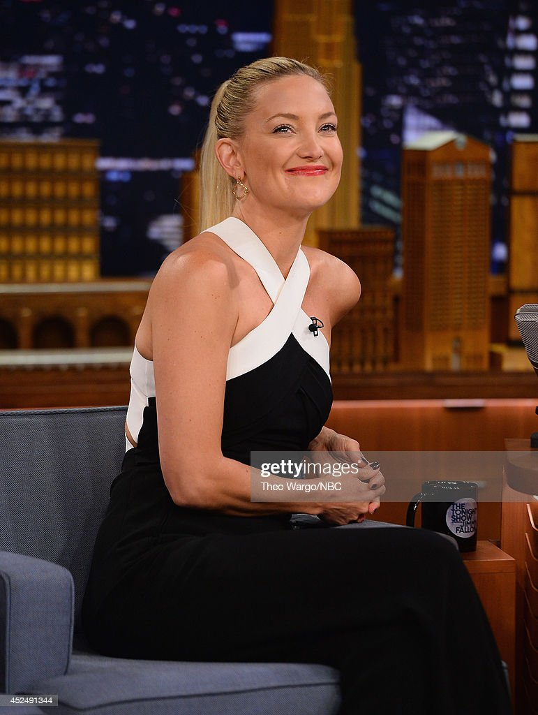 <a gi-track='captionPersonalityLinkClicked' href=/galleries/search?phrase=Kate+Hudson&family=editorial&specificpeople=156407 ng-click='$event.stopPropagation()'>Kate Hudson</a> visits at Rockefeller Center on July 21, 2014 in New York City.