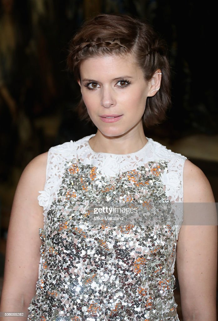 <a gi-track='captionPersonalityLinkClicked' href=/galleries/search?phrase=Kate+Mara&family=editorial&specificpeople=544680 ng-click='$event.stopPropagation()'>Kate Mara</a> attends the Christian Dior Spring Summer 2017 Cruise Collection at Blenheim Palace on May 31, 2016 in Woodstock, England.