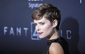 Kate Mara poses for a picture as she attends the 'Fantastic Four' premiere in Brooklyn New York on August 04 2015 AFP PHOTO / KENA BETANCUR