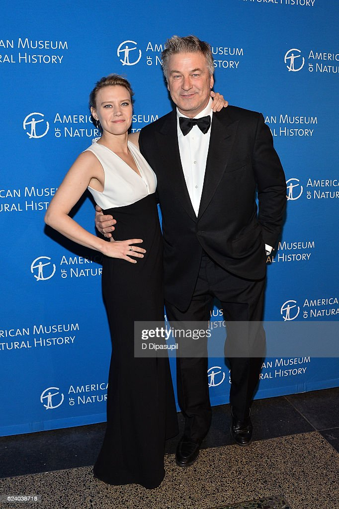 Kate McKinnon (L) and Alec Baldwin attend the 2016 American Museum of Natural History Museum Gala at the American Museum of Natural History on November 17, 2016 in New York City.