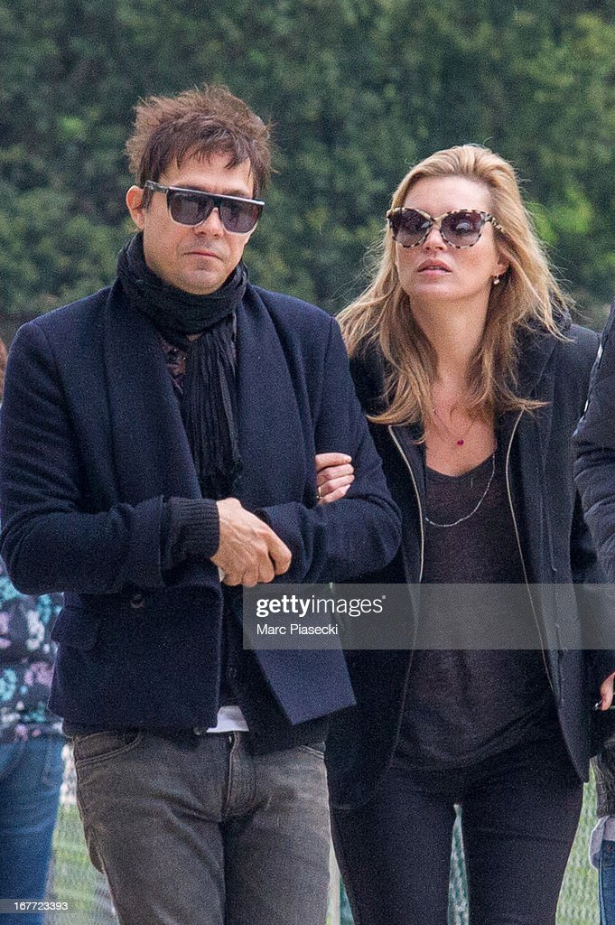<a gi-track='captionPersonalityLinkClicked' href=/galleries/search?phrase=Kate+Moss&family=editorial&specificpeople=201830 ng-click='$event.stopPropagation()'>Kate Moss</a> and her husband <a gi-track='captionPersonalityLinkClicked' href=/galleries/search?phrase=Jamie+Hince&family=editorial&specificpeople=220566 ng-click='$event.stopPropagation()'>Jamie Hince</a> are seen arriving at the Eiffel tower on April 28, 2013 in Paris, France.